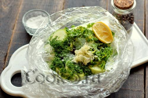 Малосольные кабачки (быстрым способом, в пакете)