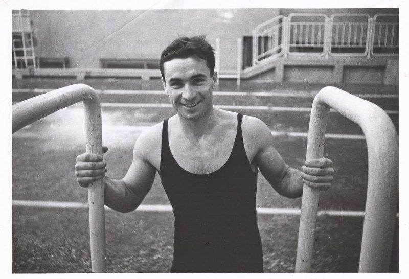 Чемпион по плаванию Титоренко Владислав Микоша, 1938 - 1940 год, МАММ/МДФ.