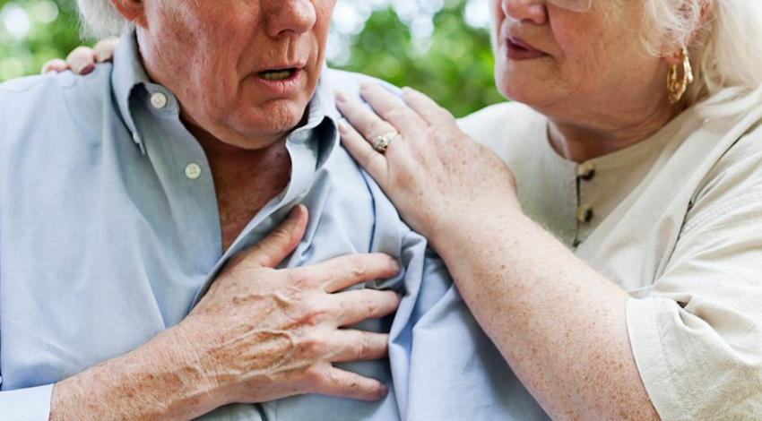 Как иглой спасти человека, у которого приступ инсульта