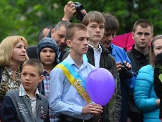 «Лишних» детей — на обочину: Большинство украинских школ закрывают набор в старшие классы украина