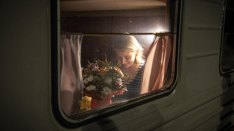 «Приезжай еще, если не умрешь»: зачем ездить в поезде Москва‑Москва
