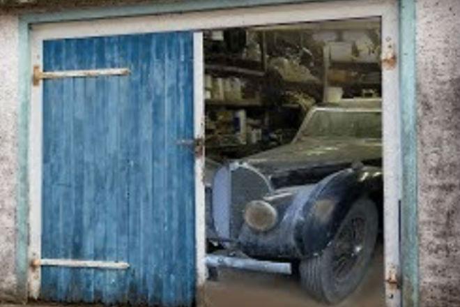 Заброшенный гараж с сокровищем внутри