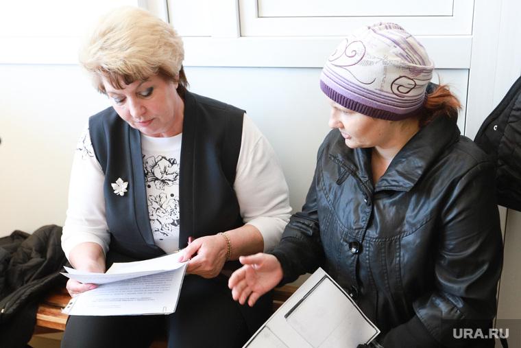 «У вас еще доплаты есть»: замгубернатора отчитала фельдшера в ответ на жалобу, что ее зарплата ниже, чем у уборщицы