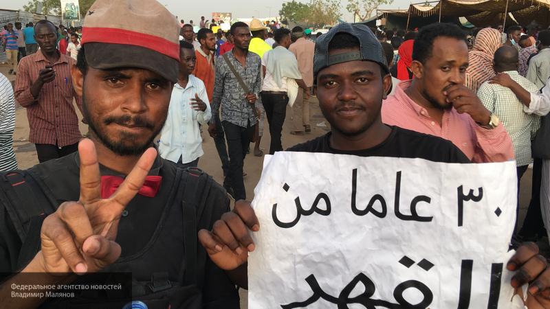 Журналисты рассказывали о доброте и дружелюбии участников мирного протеста в Судане