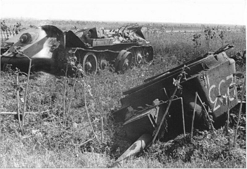 Советский танк Т-34 до и после взрыва боекомплекта. #Фотографии, #история, #факты, .война