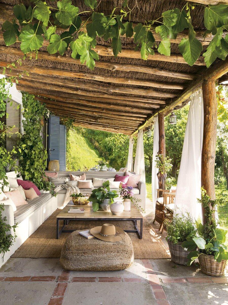Интерьер испанского деревенского дома с духом прованса