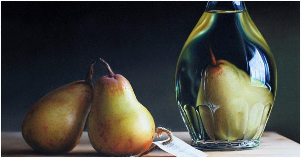 Совсем не сложно: как фрукты можно поместить в бутылку