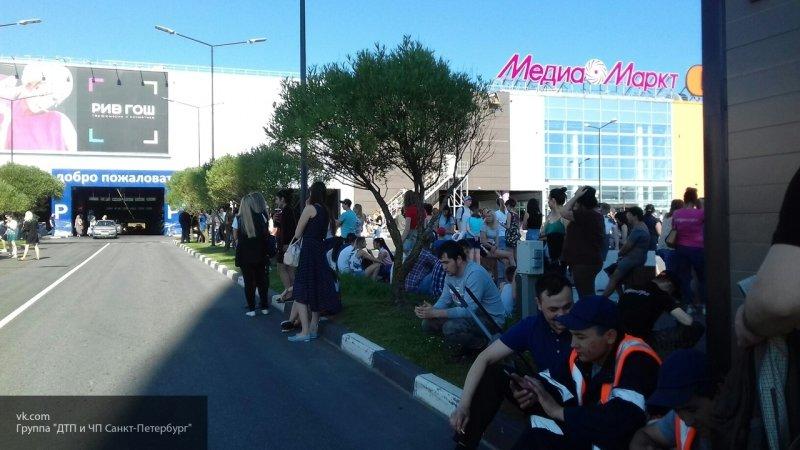 В Архангельске срочно эвакуировали посетителей торгового комплекса