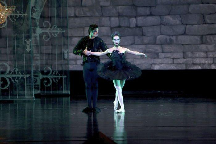 Кадр из фильма «Чёрный лебедь». / Фото: www.kinoafisha.info
