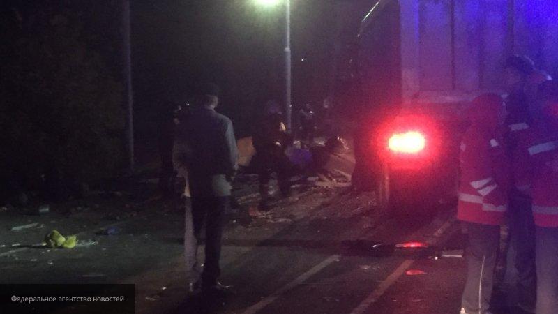 Десять пострадали, двое заблокированы в автобусе — данные МЧС об аварии в Чувашии
