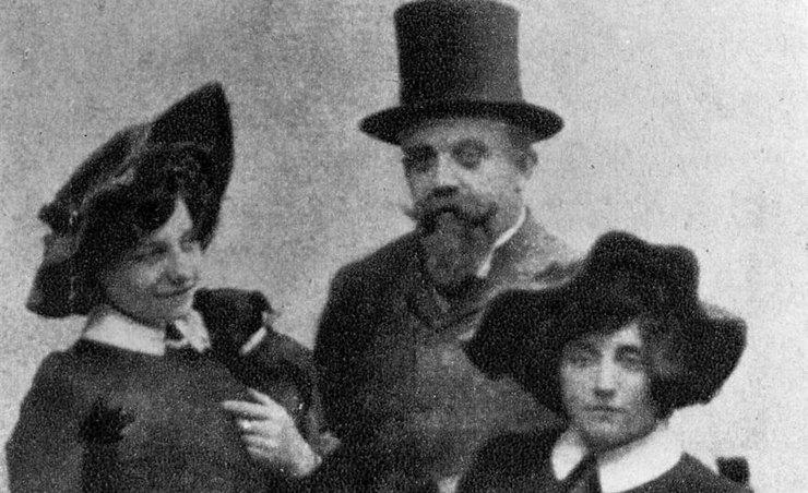 Колетт: как один мужчина выдавал книги жены за свои, а она всё равно стала классиком