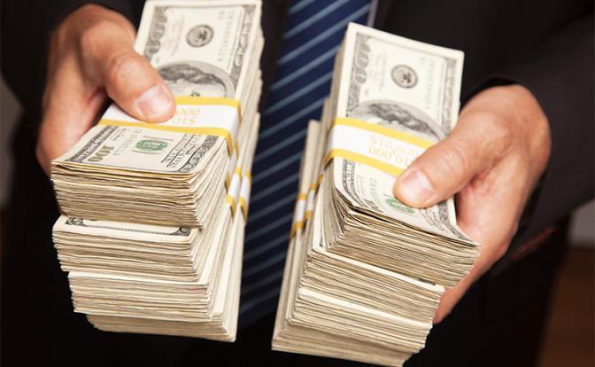За чей счет богатеют «кремлевские олигархи», если страна беднеет