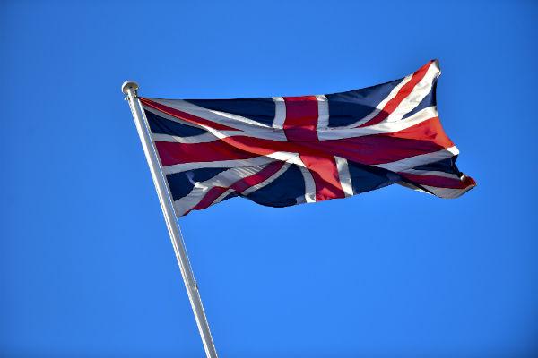 Россия высылает британских дипломатов и закрывает консульство Великобритании в Петербурге
