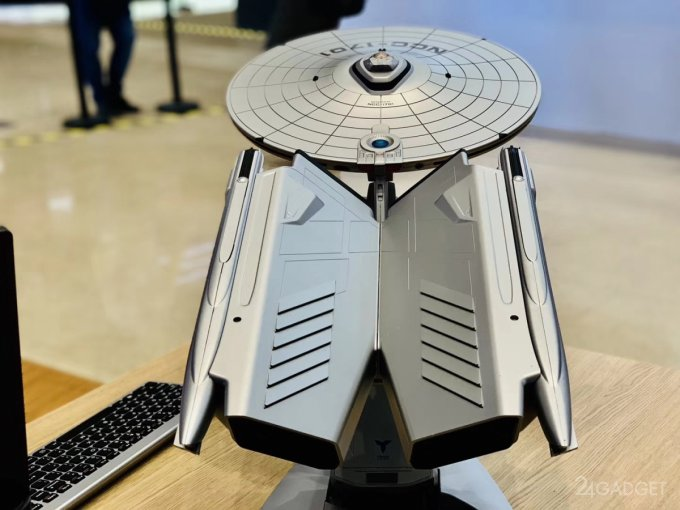 Топовый геймерский ПК создали в облике звездолёта из Star Trek (6 фото)