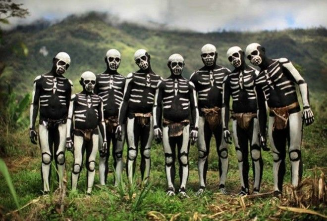 Боевые скелеты племени чимбу…