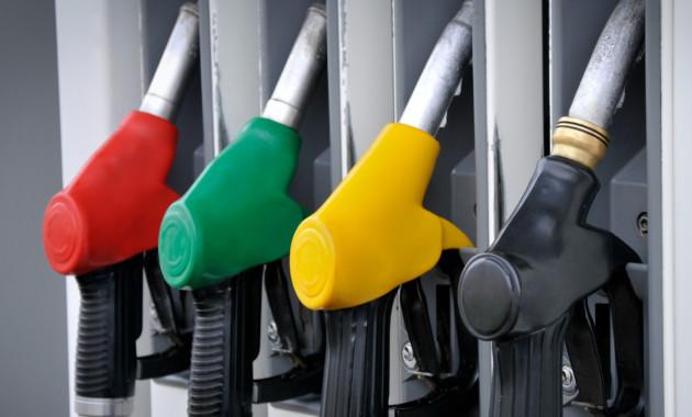 Бензиновый кризис в РФ набирает обороты: и, всё-таки, 100 рублей за литр!