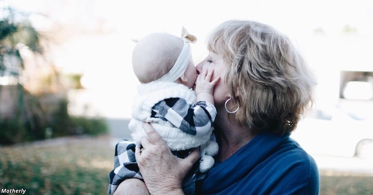 Спасибо, мама, что спасла меня, когда родился мой второй ребёнок! Проникновенное письмо