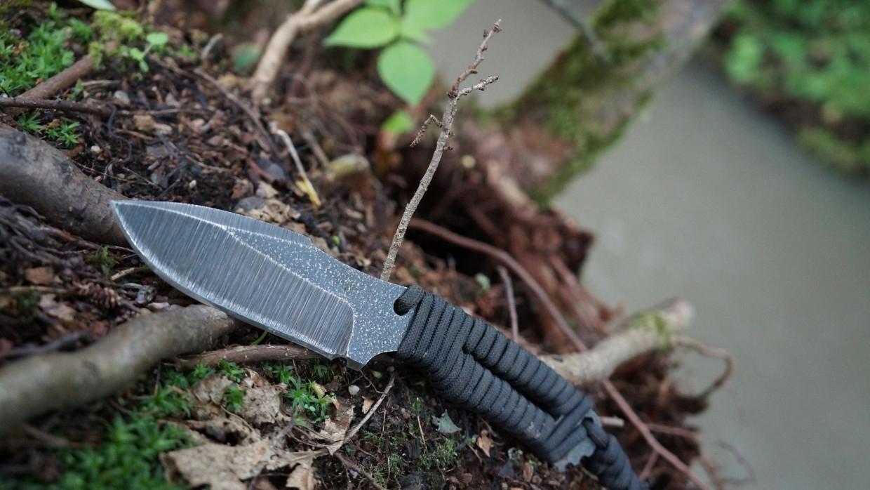 СК возбудил уголовное дело из-за нападения на полицейских с ножом в Грозном Происшествия