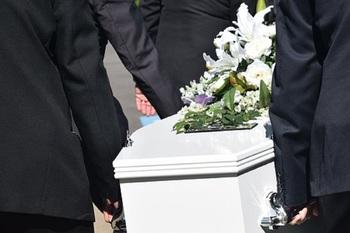 В Парагвае мужчина случайно пришел на церемонию своих похорон