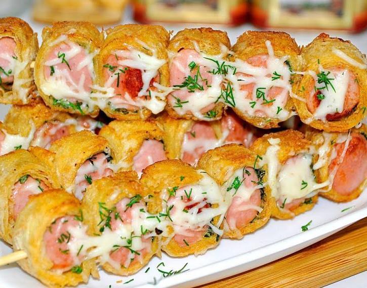Сосиски в лаваше с сыром: рецепты на любой вкус