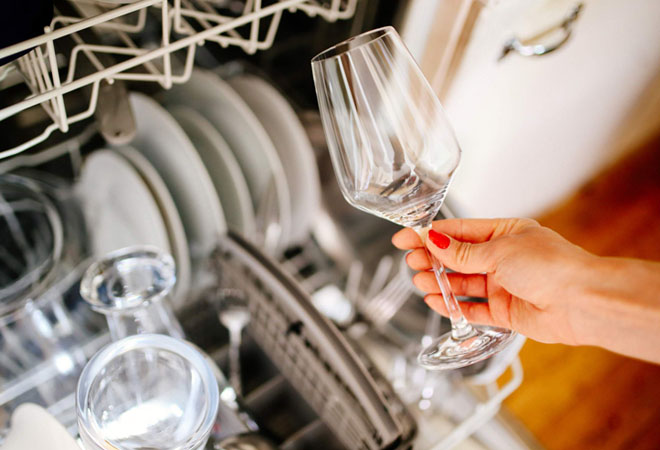Предметы, которым противопоказана посудомоечная машина