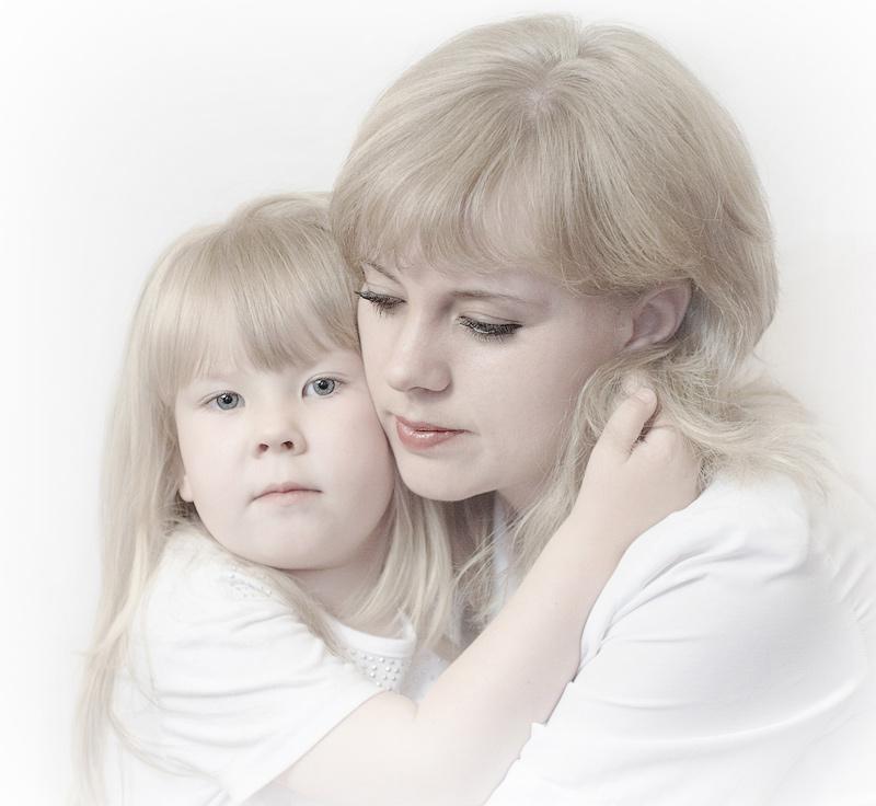 Открытка про маму и дочку