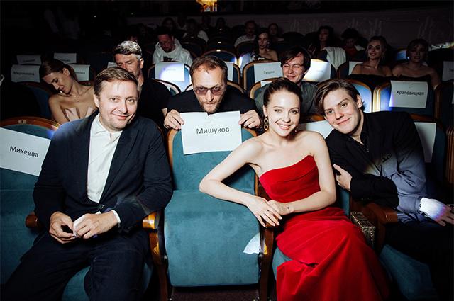 Ирина Безрукова, Павел Прилучный, Павел Табаков и другие на закрытии фестиваля