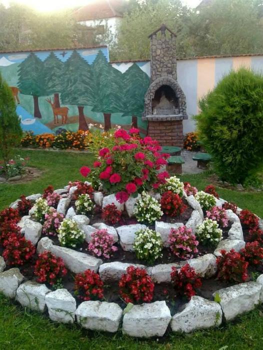 16 способов преобразить свой участок при помощи цветочных композиций цветы