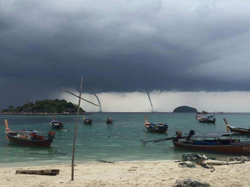 В Таиланде удивленные туристы засняли аномальные смерчи в мире, видео, природа, смерч, таиланд, туристы