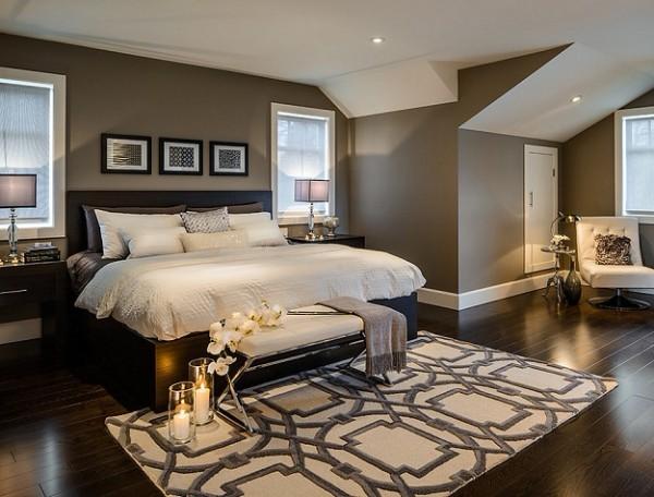 светлый ковёр с геометрическим орнаментом в тёмной спальне