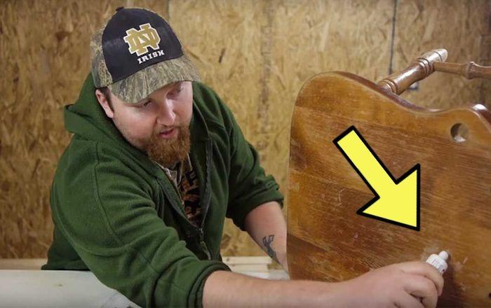 Реставратор показал доступный способ, как вернуть приличный вид даже очень старой мебели