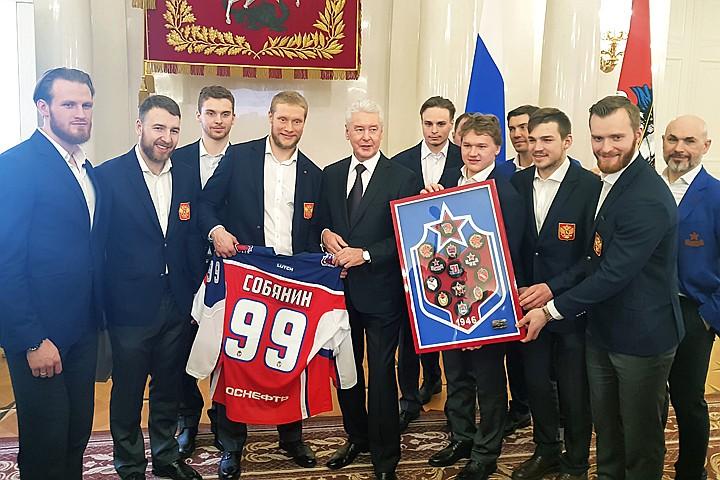 Олимпийцы и тренеры из Москвы получили до 4 млн рублей от Сергея Собянина