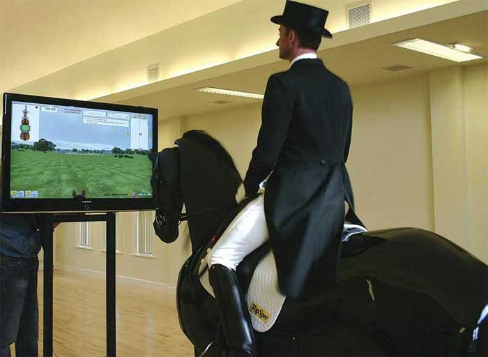 Робот-лошадь для обучения верховой езде