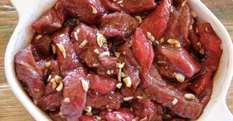 Вот как следует готовить любое мясо. Добавьте эти ингредиенты для мягкости!