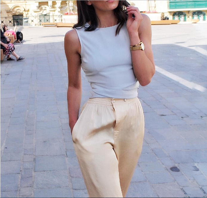 15 восхитительных образов с бежевыми брюками