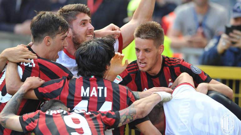 Милан: первая футбольная команда, выигравшая вдевятером