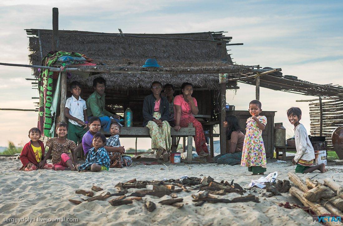 Как живут в деревне в Бирме
