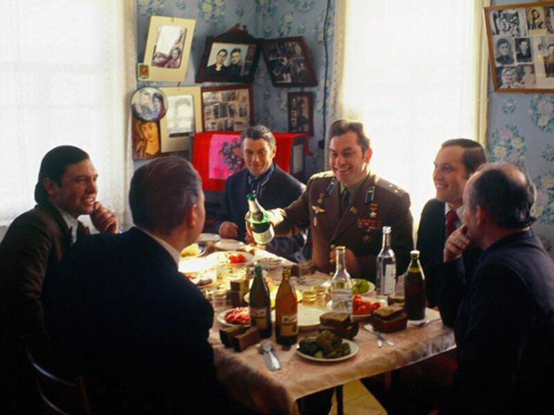 Космонавт Владимир Ковалёнок в родном доме, Беларусь, 1978 год. история, ретро, фото