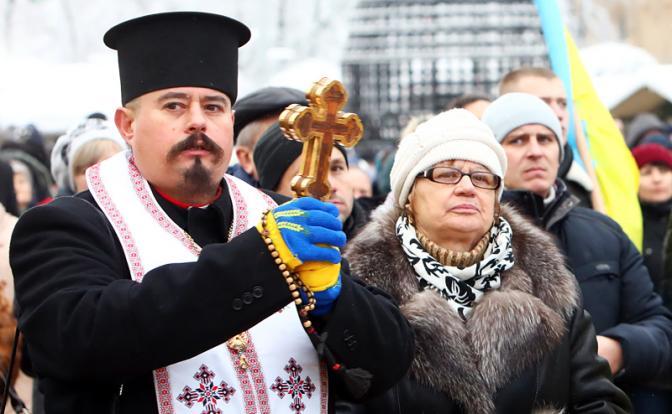 Полный ПУПЕЦ на Украине: Кого хватает за бороду Порошенко