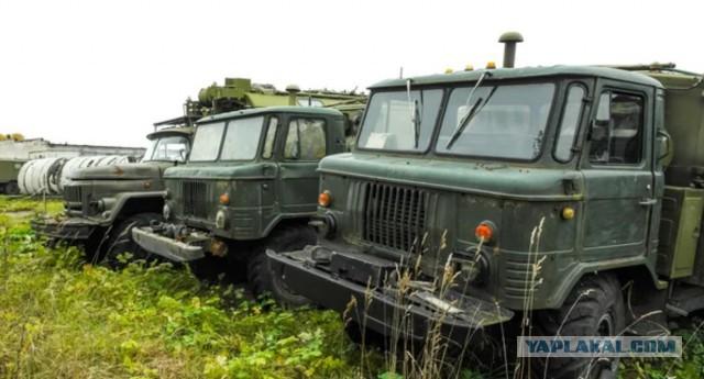 """Заброшенные """"Волги"""" и другая техника на расформированной воинской части!"""