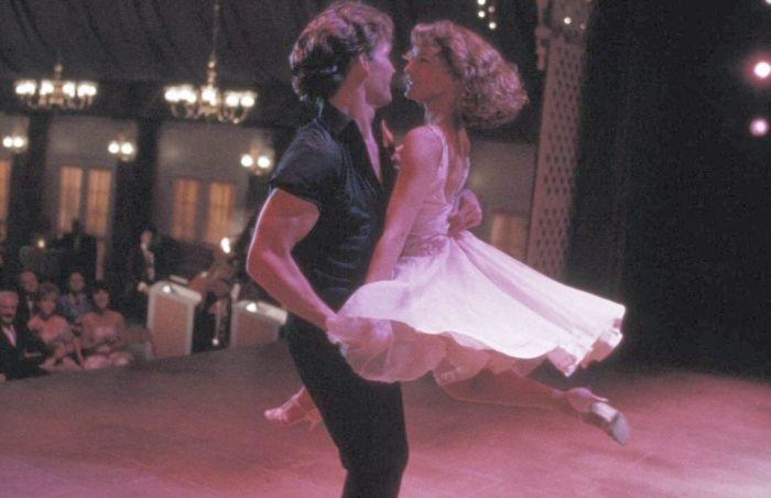 Кадр из фильма «Грязные танцы». / Фото: www.wallpapersafari.com