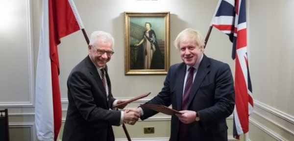 Лондон втягивает Польшу в войну с Россией