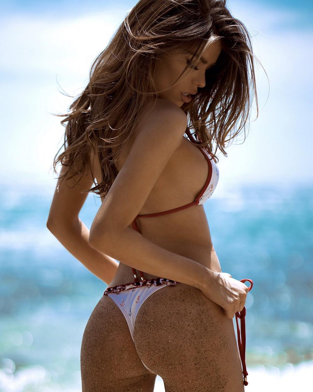 вызывает девушки на пляже фото бикини ахуенном так можете посмотреть