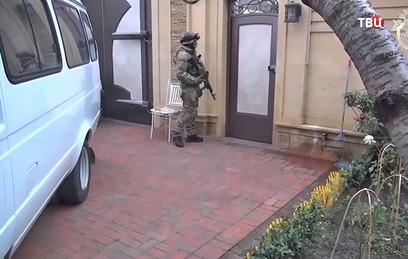 СКР показал новое видео обысков в домах дагестанских министров