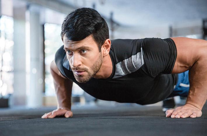 ДЕРЖИМ ФОРМУ. Тренировки для мужчин. Кроссфит тренировка в домашних условиях