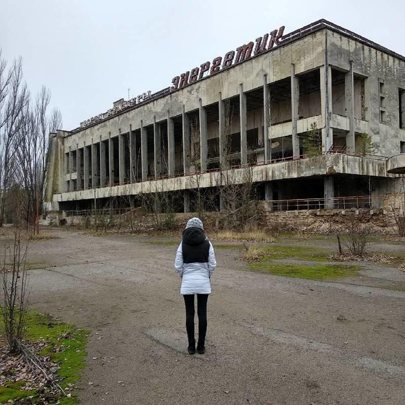 Конечно, днём, да ещё в составе группы, все эти руины выглядят весьма увлекательно Припять, Чернобыль, зона, туризм, чаэс, экстрим