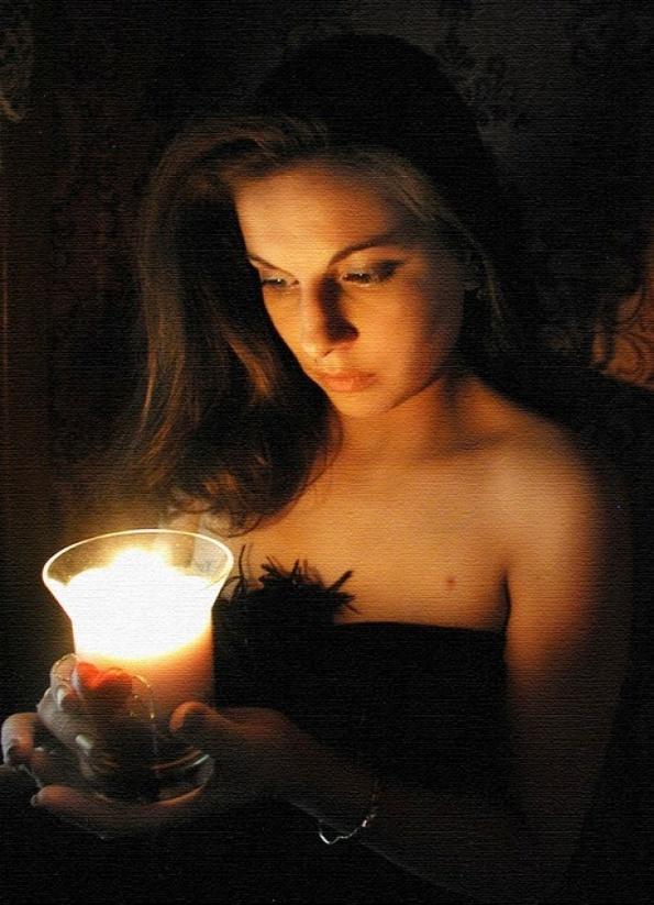 начальную картинки слезы при свечах как раз