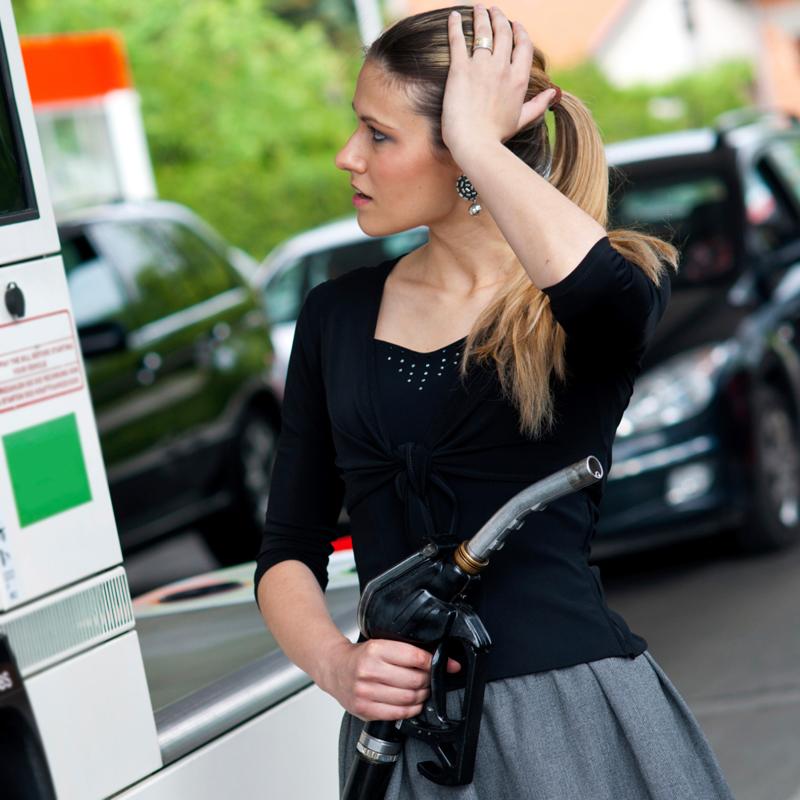 Глава автодвижения Армен Оганесян: «При цене в 55 рублей россияне перестанут ездить на машинах»
