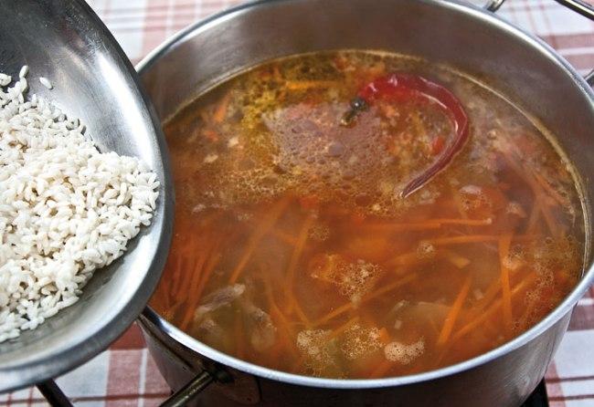 добавление риса в маставу
