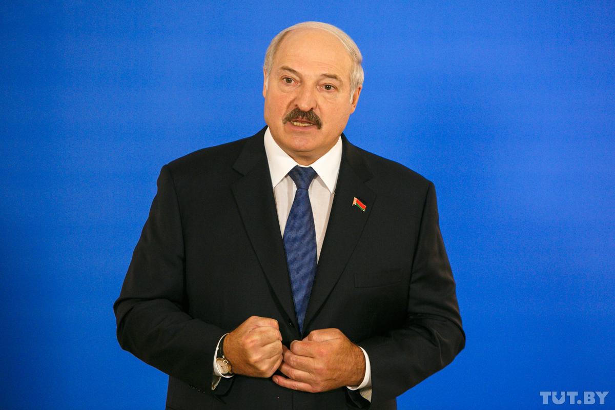 Лукашенко: «Россияне ведут себя варварски, как будто мы вассалы у них»